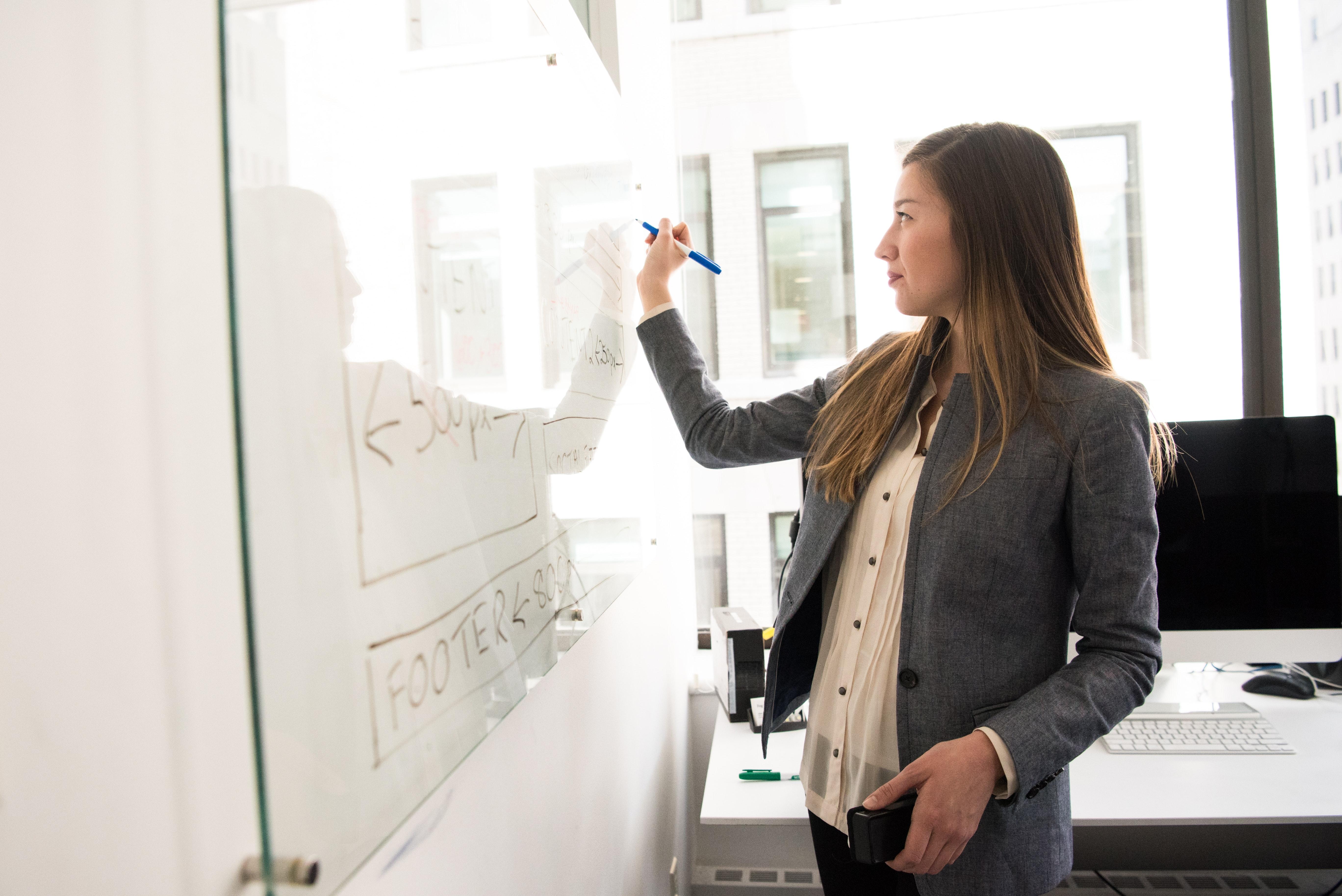 Регулярное повышение квалификации позволит вам претендовать на более высокую оплату труда, а углубление знаний позволит подготовить высококлассных специалистов, соответствующих требованием времени